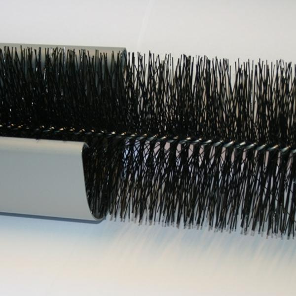 """Затримувач листя для ринв """"йоржик"""", D=120 мм, довжина 1,2м, чорний"""
